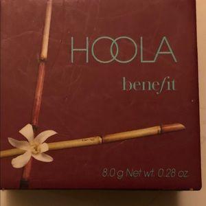 Benefit Hoola. Never used. 8.0g